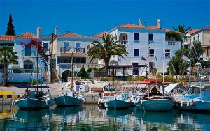 Spetses-waterfront_2321469b