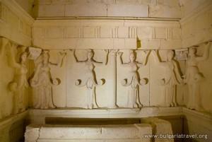 105_005_Sveshtarska_grobnica